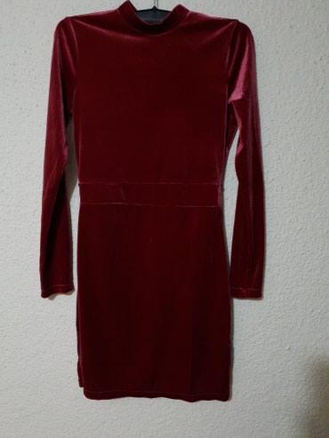 H&M svecana plisana bordo haljina sa golim ledjima NOVA - Loznica