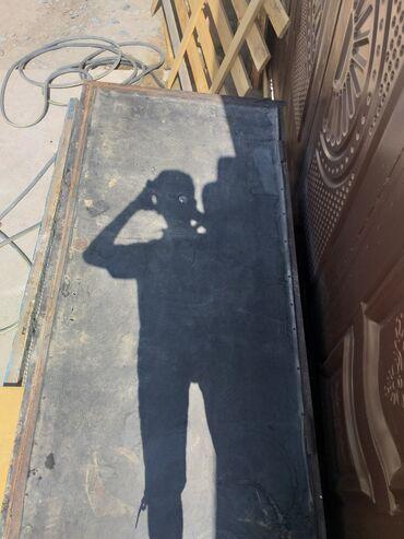 Другие товары для дома в Базар-Коргон: Продою двери метолический цена договорная 2×97
