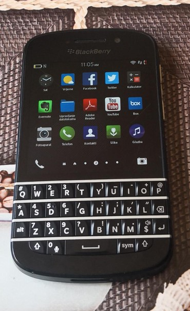 Blackberry passport - Srbija: BLACKBERRY Q10 - fantastičan telefon sa 2gb Ram-a i 16gb memorije