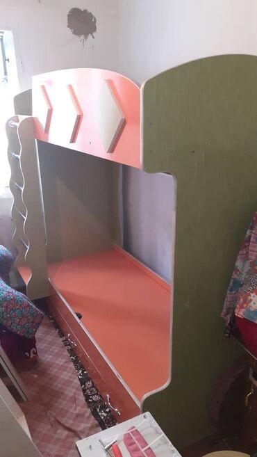 Мебель - Кызыл-Кия: Двухместный кровать сатылат Ташкумыр шаарында баасы келишим турдо