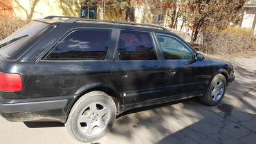 Каракол кой - Кыргызстан: Audi S4 2.6 л. 1992