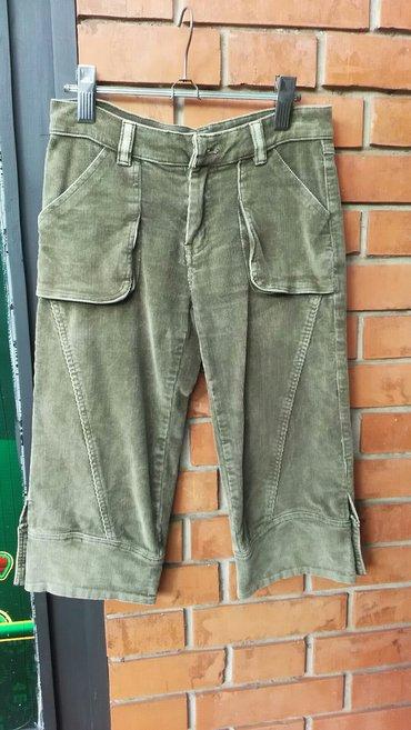 Zenske tricetvrt pantalone,maslinasto zelene,m velicina,kao nove - Zrenjanin