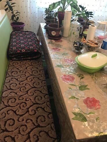 т т к н 2 класс в Кыргызстан: Уголок 2 м и стол 1.80 м 3 стуля
