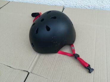 Sport i hobi - Obrenovac: Kaciga za rolere trotinete skejtborde, velicina s, obim 52-57cm