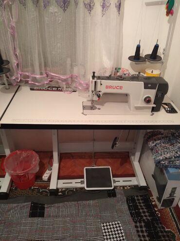 Швейная машина, пятинитка сатылат жакшы абалда Bruce маркасында
