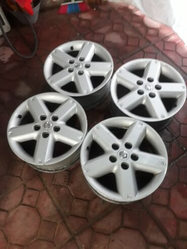 sador диски в Азербайджан: Nissan Xtrail 16 olcu oriqinal diskiler