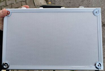 Instrumenti - Nis: - Kofer aluminijumski- Dimenzije: 320x200x65 mm.Kontakt