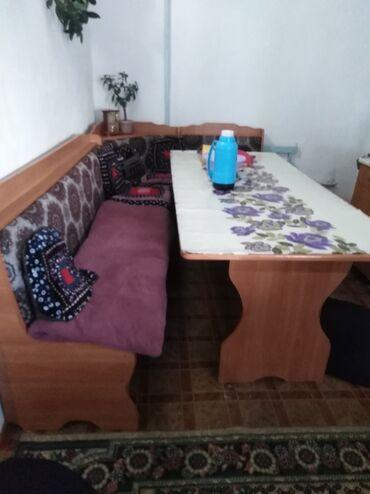 уголок для кухни в Кыргызстан: Продаю кухонный уголок почти новый к 6 стульями окончательно 10000