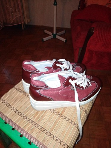 Prelepe cipele malo nosene 38br - Cacak - slika 3