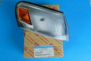 Ehtiyat hissələri və aksesuarlar Şəkida: Toyota Corolla 2ci illeri ucun sag fara 830