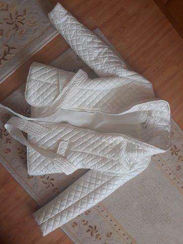 Ženska odeća | Novi Pazar: Lagana jakna sa krznom koje se skida. Dobijena iz Kanade, nekoriscena