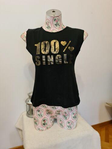 Majica sl - Srbija: Crna majica sa zlatnim slovima, velicina S - M