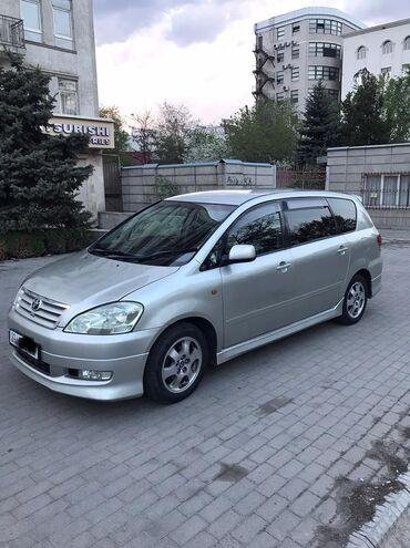 Toyota Ipsum 2.4 л. 2003   261 км