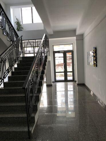 Продается квартира: 3 комнаты, 145 кв. м