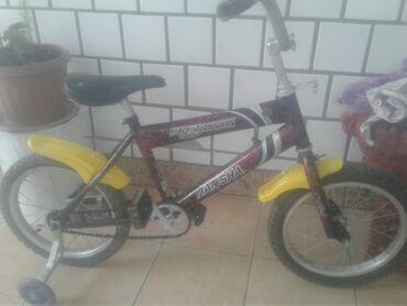 велосипед с детской коляской в Кыргызстан: Велосипед детский на 4 7 лет хорошего состояния