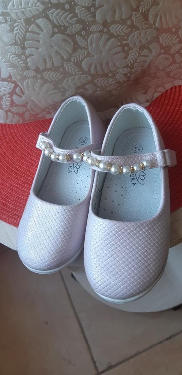 детские ажурные кеды для девочки в Азербайджан: Чистые туфельки для девочки. Размер 25. Одели 1 раз. Покупали за 22