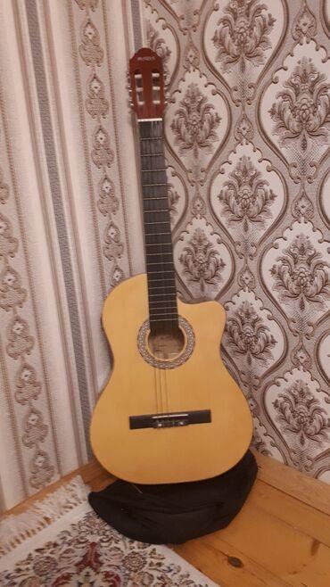 gitara klassik - Azərbaycan: Klassik Gitara. Hər bir şeyi yerindədir. Kalonkaya qoşulur. Ehtiyaca