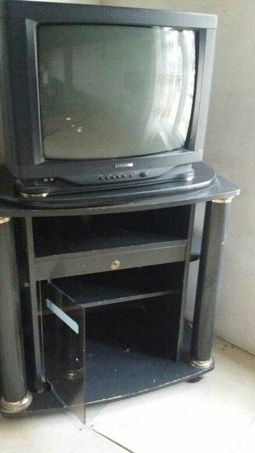 Bakı şəhərində televizor altligiyla birge satilir ela gosterir endirimde ederem