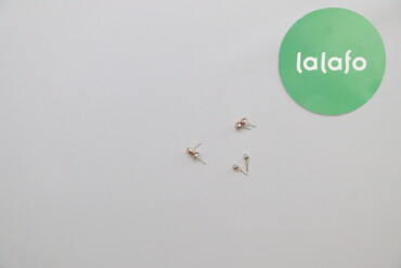 Жіночий набір сережок гвоздиків    Кількість: 3 комплекти  Стан дуже г