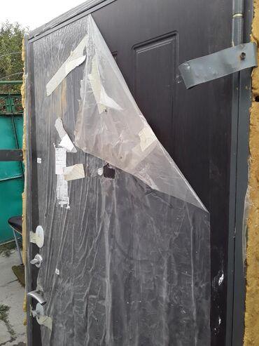Дверь б/у внутреннее открывание