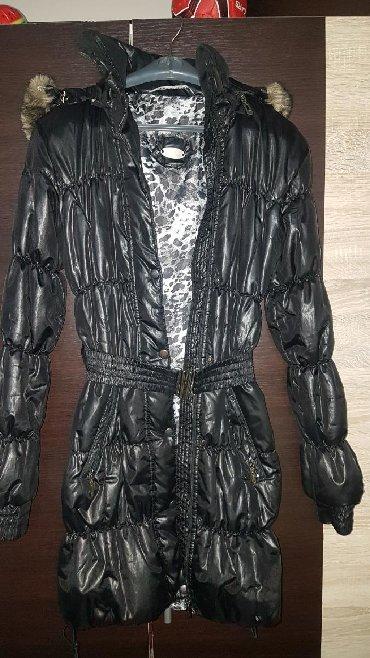 Zenski ogrtacprolece - Srbija: Zenska zimska crna jakna vel. M, veoma malo nosena, u odlicnom