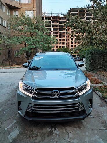 Toyota Highlander 3.5 л. 2015