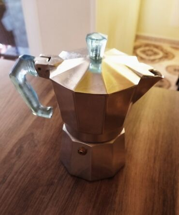 Čajnici | Srbija: Nov aparat za Moka kafu