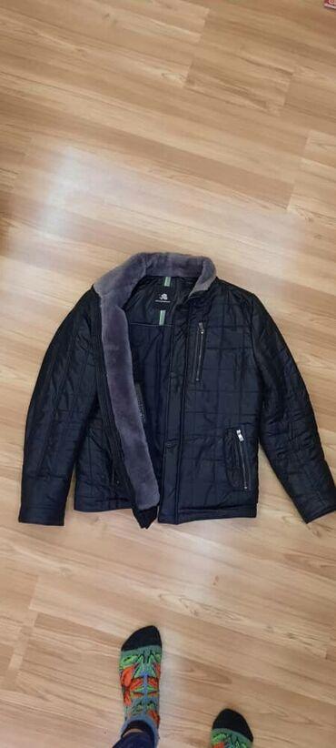 Тёплая мужская куртка, с термометром внутри. Состояние хорошее,есть