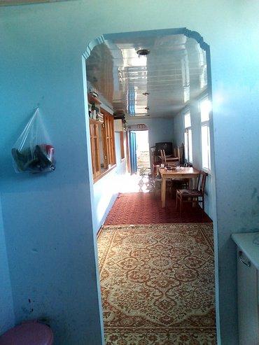 Bakı şəhərində Sabunçuda Bazarin ve Rahat Marketim Yaninda 4 otaq Heyet Evi