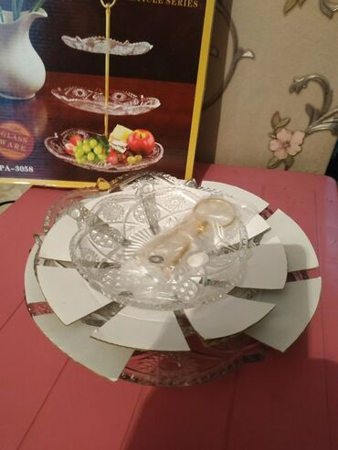подставка для посуды в Кыргызстан: Трехэтажная подставка для фрукт,печенья и конфет,на любой вкус,или