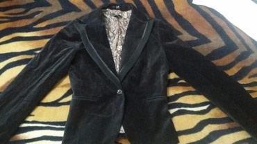 Женский пиджак  ткань -велюр размер -м в Бишкек