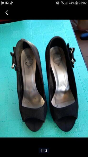 Giorgio-majica - Srbija: Cipele na stiklu,broj 38,veoma udobne,treba samo zameniti flekice,robu
