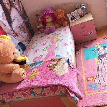 Детский мир в Сарай: Usaq otagi dest 190 azn satilir. Kravatin ustunde keyfiyyetli matrasi