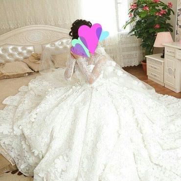 Свадебные платья - Токмак: Продаю свадебное платье от дизайнера Анвара Турдубаева сшито на заказ