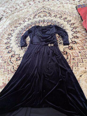 итальянские шелковые платья в Кыргызстан: Продаю вечернее Итальянское платье материал велюр размер 44-46