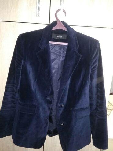 Продаю Пиджак женский ( бархат синий) 46-48 размера фирменный в