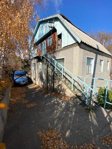Продаю дом в Чолпон-Ате 2 этажа плюс мансарда, кирпичный, 5 жилых