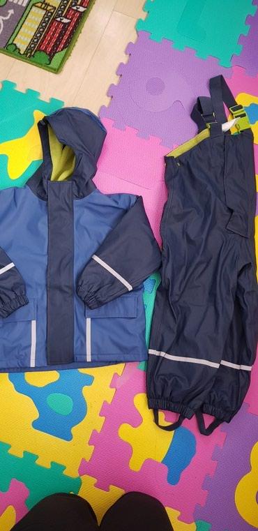 Benetton jakna - Pozarevac: Deciji skafander,uzrast 5-6 god, duzina od tregera do kraja nogavica