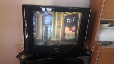 Samsung televizor islek veziyetde hec bir problemi yoxdur.tv altligi