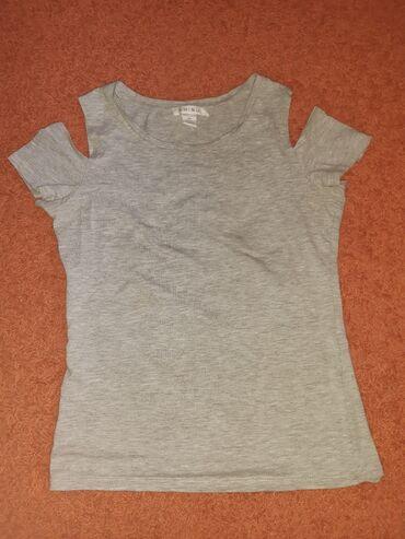Majica xs - Srbija: Amisu majica. Ramena gola. Veličina XS