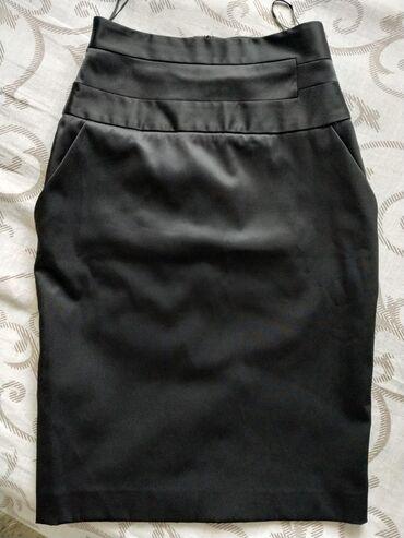 Ženska odeća | Plandište: Mango suknja, kupljena u Parizu, ali nažalost mala. Veličina 36, sasta