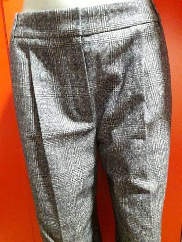 Pantalone stof nove u broju 36 i 42 - Arandjelovac