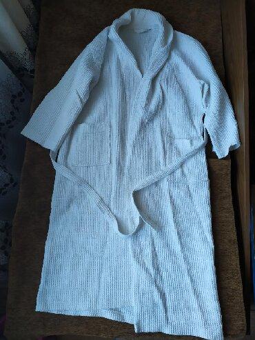 Домашние костюмы - Кыргызстан: Вафельный белый халат. Унисекс. Размер XXL. (примерно 48-50).Длина