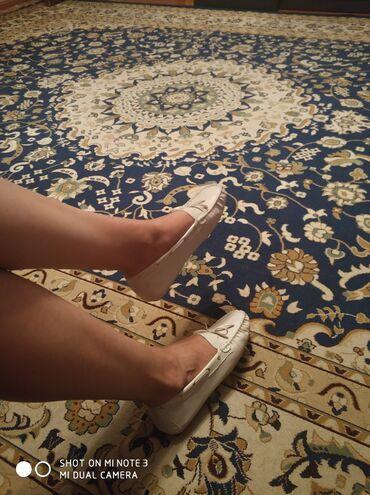 Женская обувь в Бишкек: Мокасины новые, 38 размер, цвет бежевый, мягкая подошва, очень
