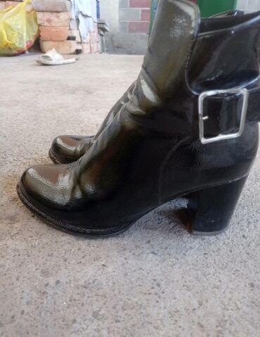 8 мер в Кыргызстан: Обувь Мери Кей состояние хорошее. Длина каблука с бантиком 10 см