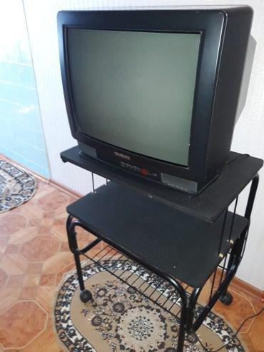 Телевизор HITACHI диагональ 54 продаю вместе с подставкой в Бишкек
