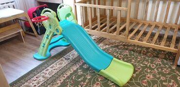 Детский мир - Кок-Джар: Горка детская до 4 лет для дома, состояние отличное. В комплекте есть