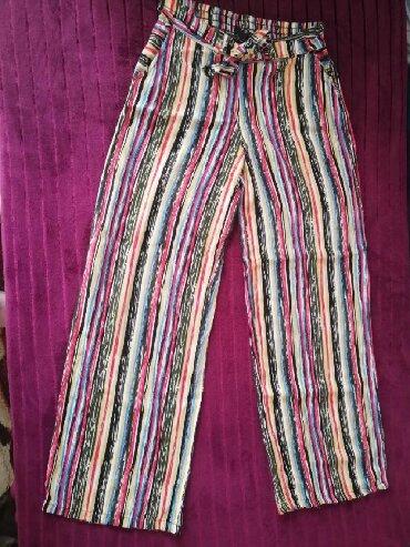 Sirine duzine m - Srbija: Prodajem pantalone u M velicini. Poluobim struka 31cm,dubina 25 cm