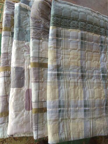 Срочно продам плед и наматрасник В наличии 3 наматрасника.И 2 одеяла (