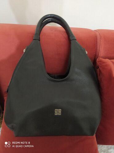 Шикарная новая кожаная сумка, очень удобная,практичная, отличного